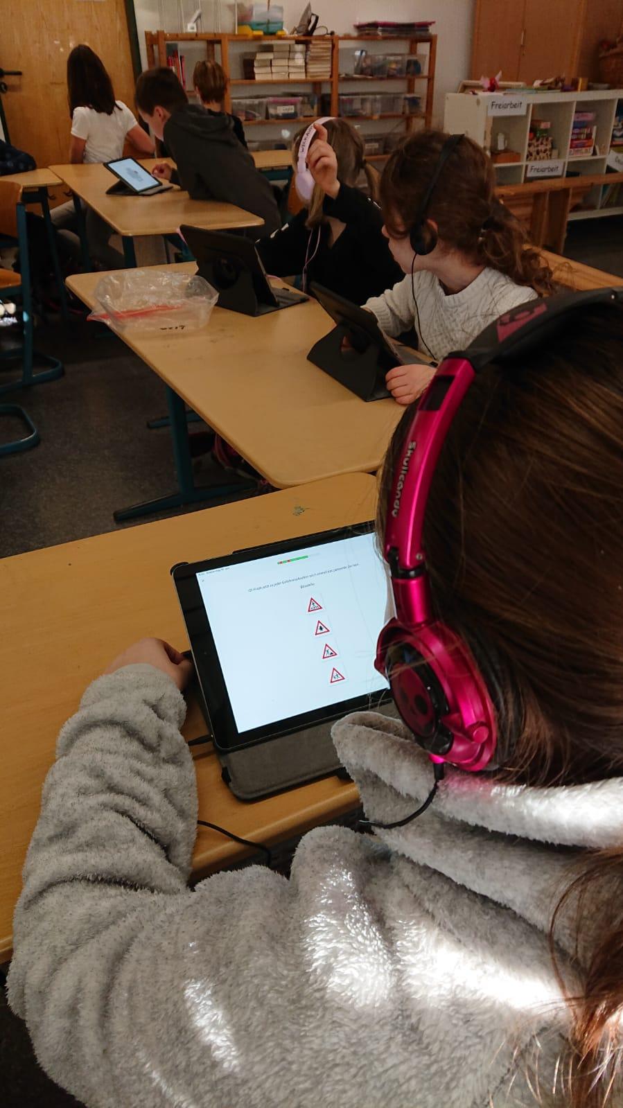 Read more about the article Verkehrserziehung mit dem Tablet